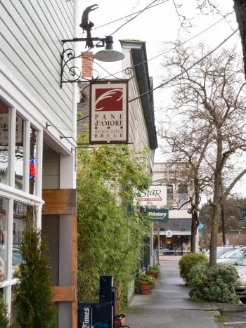 Tyler Street from bread store